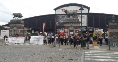 Veillée devant l'abattoir d'Anderlecht.